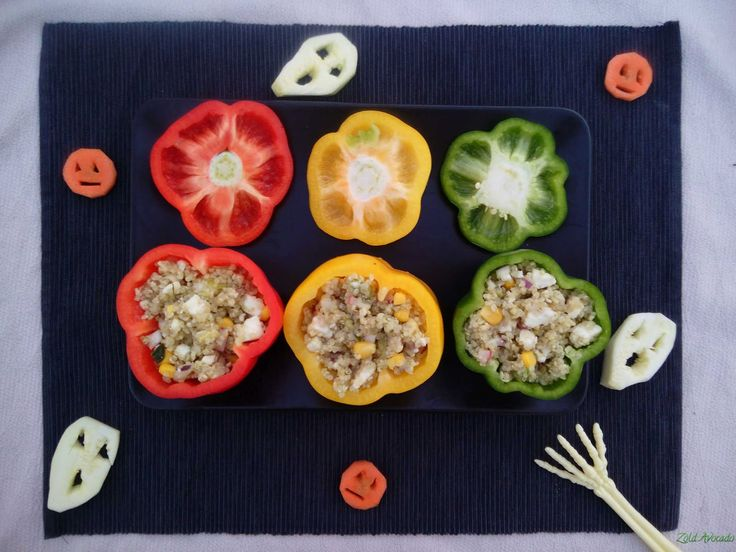 halloweeni kecskesajtos quinoával töltött paprika (gluténmentes, tojásmentes) / Recept / paprika, quinoa, kecskesajt, tetszés szerinti zöldségek, lila hagyma, csíra