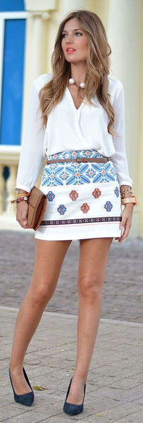 White Retro Pattern A-line Mini Skirt by Mi Aventura Con La Moda