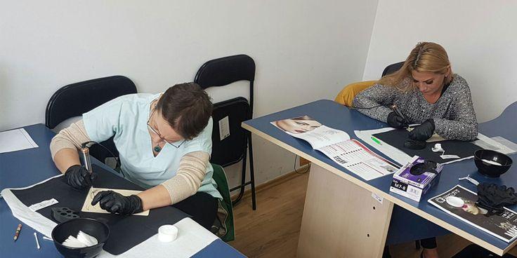 Cursurile de Dermopigmentist sunt ca si denumire cursuri noi acreditate in România, PINA acum fiind cunoscute ca si cursuri de tatuaj semipermanent sau tatuaj cosmetic. Acum diploma de Dermopigment…