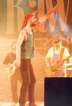 Rawa Blues 1993 http://video.anyfiles.pl/D%C5%BBEM-RAWA+BLUES+1993/Muzyka+i+Taniec/video/108197