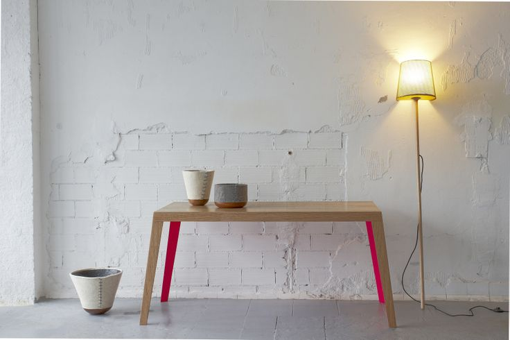 Mikeldi table//MLP lamp//FM85 containers