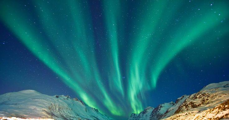 Tromsø, a la caza de las auroras boreales http://www.traveler.es/naturaleza/articulos/donde-ver-auroras-boreales-en-noruega-tromso/11863  http://fmexcalibur.com/Reproductor.html