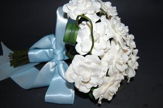 More pictures on the gardenias wedding bouquet