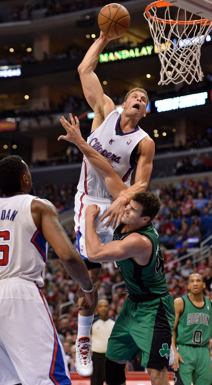 Blake Griffin dunks over Kris Humphries