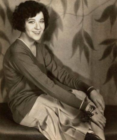 Fanny Brice: People Interesting, Fanny Brice, Fascinators People, Fabulous People, Entertainment People, Funny Girls, Ziegfeld Folli, Vintage Beautiful, Ziegfeld Girls