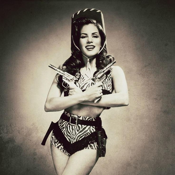 Pistol packin' mama! #pinup #vintage #Western #cowgirl #fashion