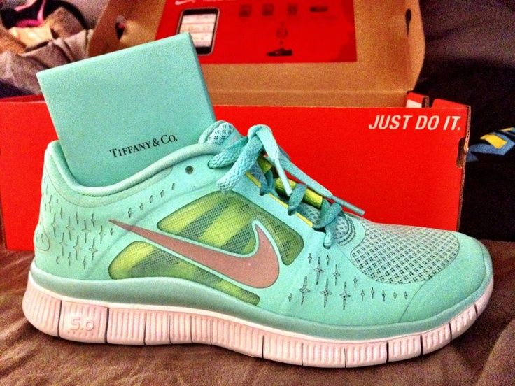 The color of everything, comfortable running shoes sold at half price !       #cheap #nike #shoes