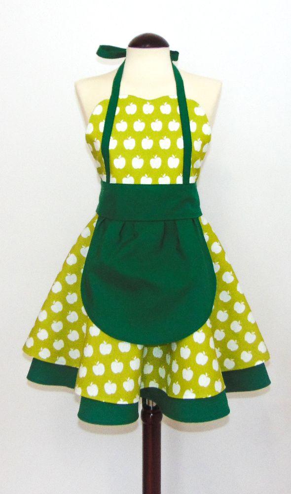 """Delantal Vintage """"Green Apples"""" Delantal estilo vintage elegante y original, totalmente artesanal y de gran calidad! Delantal 30% algodón y 70% poliéster"""