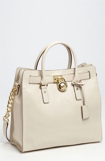 This Micheal Kors bag is so elegant