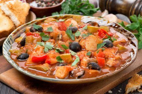 Рыба с маслинами, грибами и помидорами, ссылка на рецепт - https://recase.org/ryba-s-maslinami-gribami-i-pomidorami/ #Вегетарианскиерецепты #Рыба #блюдо #кухня #пища #рецепты #кулинария #еда #блюда #food #cook