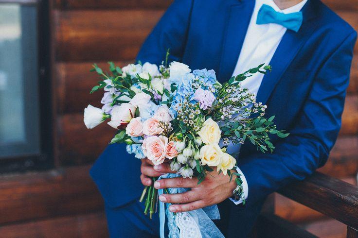 Утро жениха Алексея  #morninggroom #wedding #weddingday #groom #decoration #ideas #details #boys #costume #groomssuit #weddingphotograpy #butterflygroom #костюм #костюмжениха #бабочка #бабочкажениха #часы #свадьба #жених #утрожениха #свадебныйдень #бутоньерка #букетневесты #букет