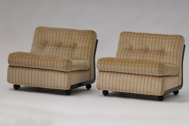 These Amanta Lounge Chairs Feature The Original Fabric And Can Be