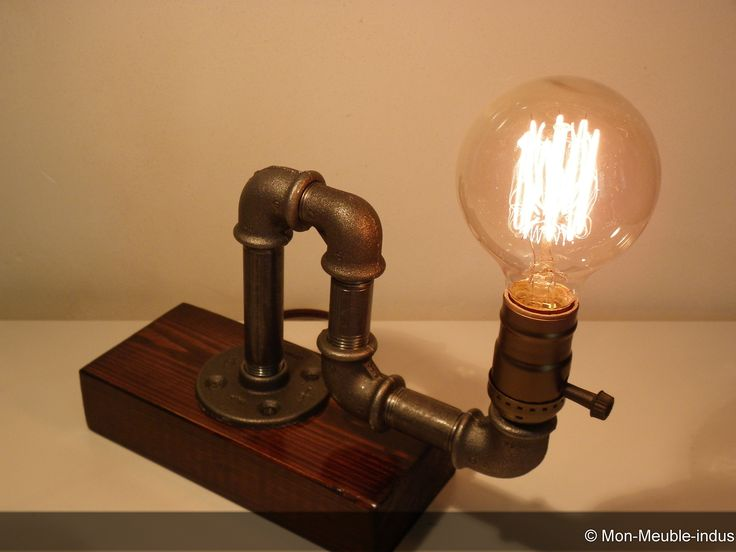 lampe de table en tube acier recyclé ,lampe industrielle ,loft,vintage,luminaire,steampunk : Luminaires par mon-meuble-indus