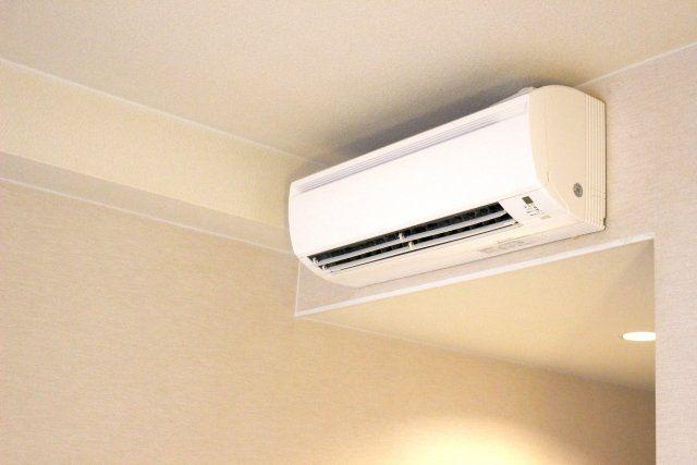 得する人損する人エアコンの掃除方法 すきまノズルでフィルターも簡単