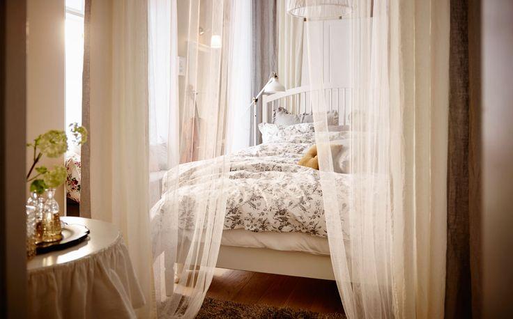 Un po' sopra le righe, il baldacchino evoca romanticismo e un'eleganza classica - IKEA