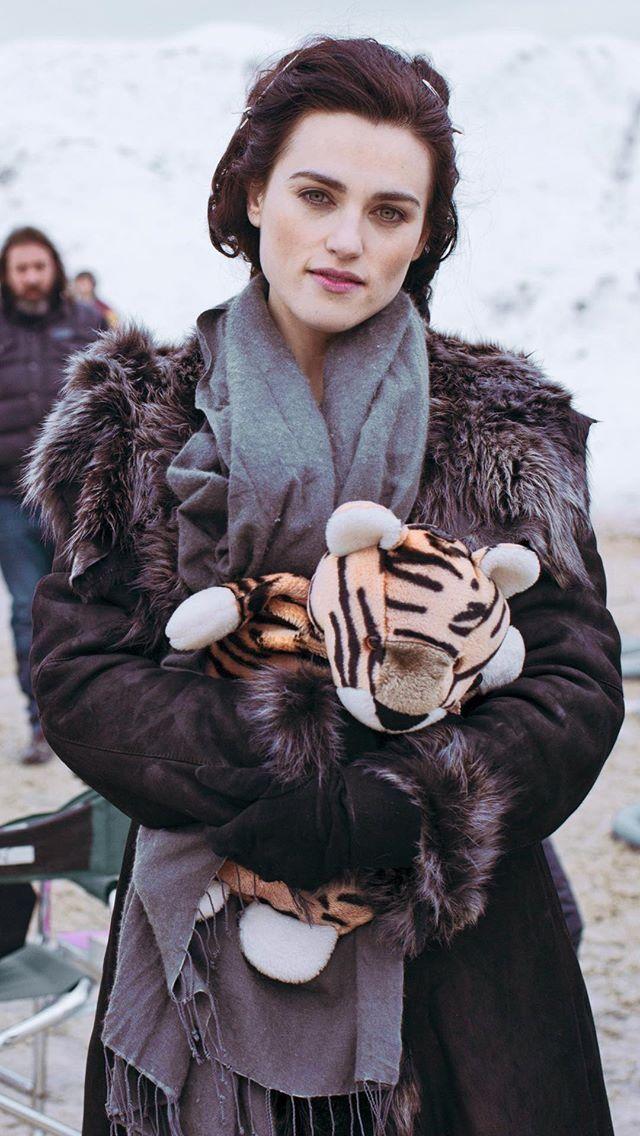 """""""Merlin"""" (Behind The scenes) Katie McGrath as"""