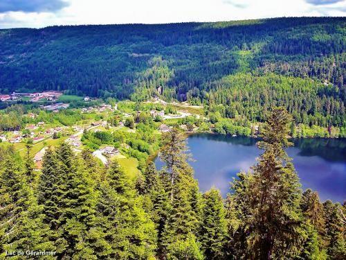 Het meer van Gerardmer: stroomafwaartse zijde van het meer gezien vanaf de toren van Merelle (© Jean Espirat) - France-Voyage.com