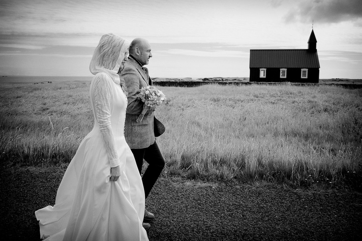 Black Church Iceland, Wedding photography