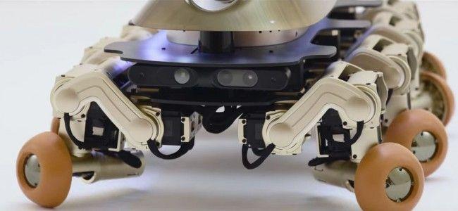 #интересное  Создан робот по образу жуткого доисторического червяка    Весёлая фанковая музыка и бойкие движения Halluc IIx скрывают биомимикрическую тайну: милый маленький робот назван в честь одного из самых странных животных, когда-либо ходивших по Земле. Или по
