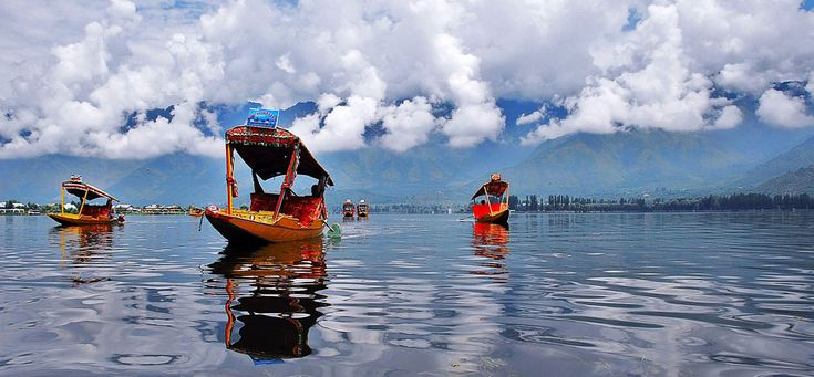 Swan tours offers wide range of #Kashmir #tour #packages, trip tourism, holiday travel budget packages. Get best tours deals Veshno Devi and explore all tourist places with family at lowest price.