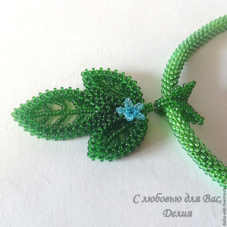Купить Комплект украшений Таинственный лес - зеленый, летнее украшение, квадратный жгут, серьги из бисера