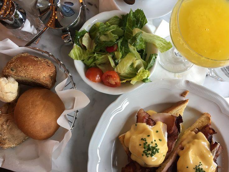 Benedict Berlin | Eggs Benedict