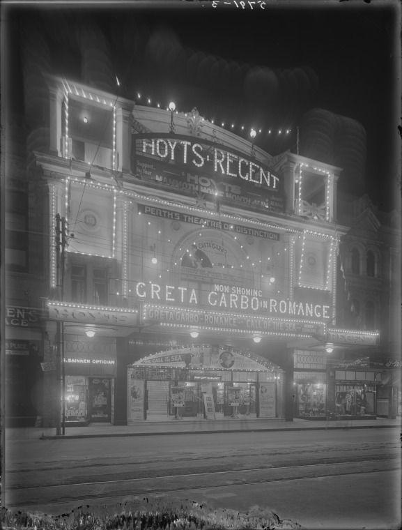 101556PD: Hoyts Regent Theatre, ca. 1932.  http://encore.slwa.wa.gov.au/iii/encore/record/C__Rb2626724__S101555pd__Orightresult__U__X3?lang=eng&suite=def