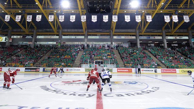 Rbc Cup Wenatchee Wild A 2 1 Win Over The Chilliwack Chiefs With