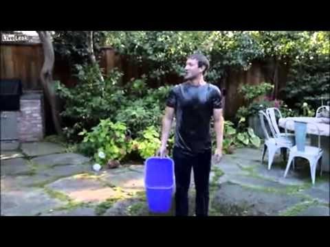 Pendiri Facebook Ice Bucket Challenge, CEO Facebook Mark Zuckerberg, Mark Elliot Zuckerberg dikenal karena menciptakan situs jejaring sosial Facebook