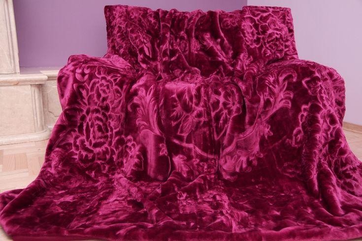 Bordová deka s kvetinovým vzorom