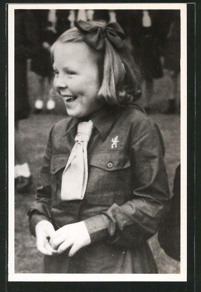 alte AK H.K.H. Prinses Beatrix in kabouter-uniform 1946, Pfadfinder | eBay Dutch Brownie
