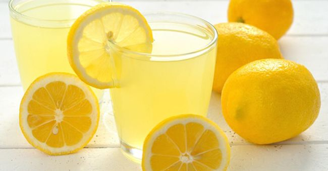 This weird, but extremely effective lemon diet is very simple. But, it can be really hard for some people. You need to drink a mixture of lemon juice and water, every day on empty stomach, immediately