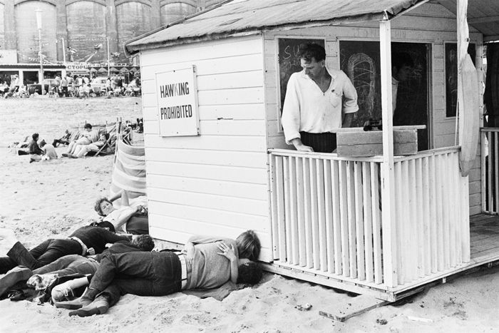 Broadstairs, c. 1967, Tony Ray Jones © National Media Museum, Bradford / SSPL. Creative Commons BY-NC-SA