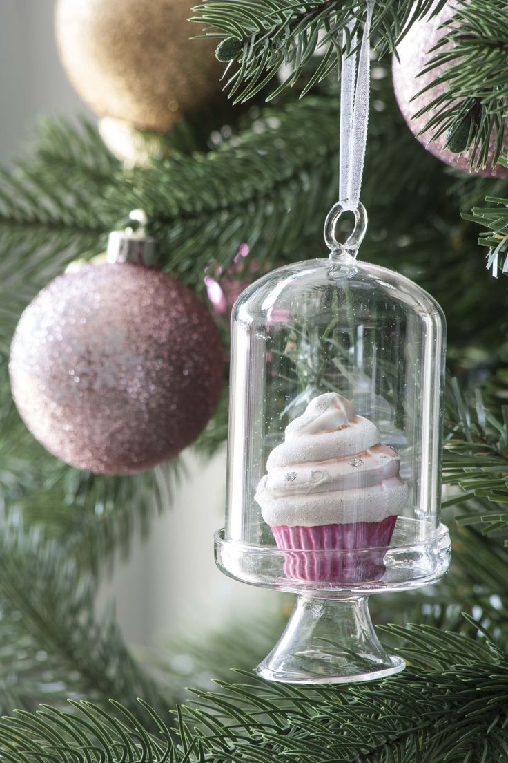 #GreenApple #GAhomestyle #homestyle #christmas #themeddecoration #decoration #gifts #cupcakes