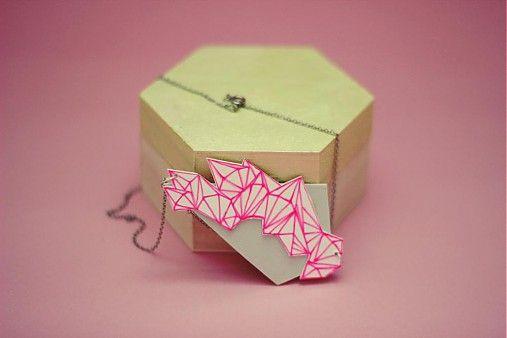Neon polygon by i.v. - SAShE.sk - Handmade Náhrdelníky