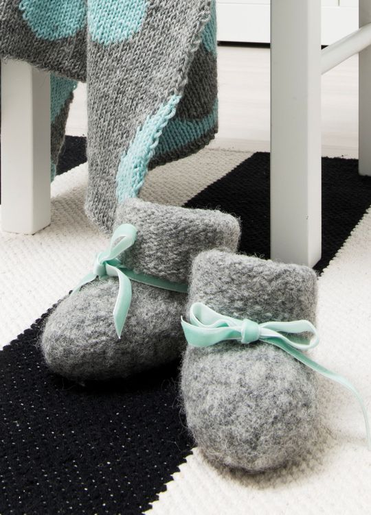 Novita felting ideas, baby's felted slippers made with Novita Joki (River) yarn #novitaknits https://www.novitaknits.com/en