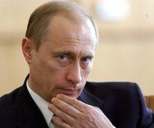 """Putin califica de """"delirantes"""" las acusaciones contra Rusia en el caso Snowden"""