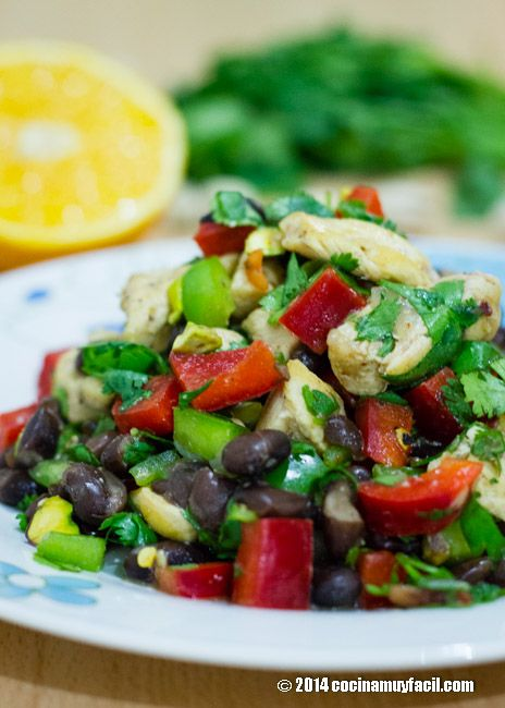 Ensalada de pollo y frijol con vinagreta de naranaja | cocinamuyfacil.com