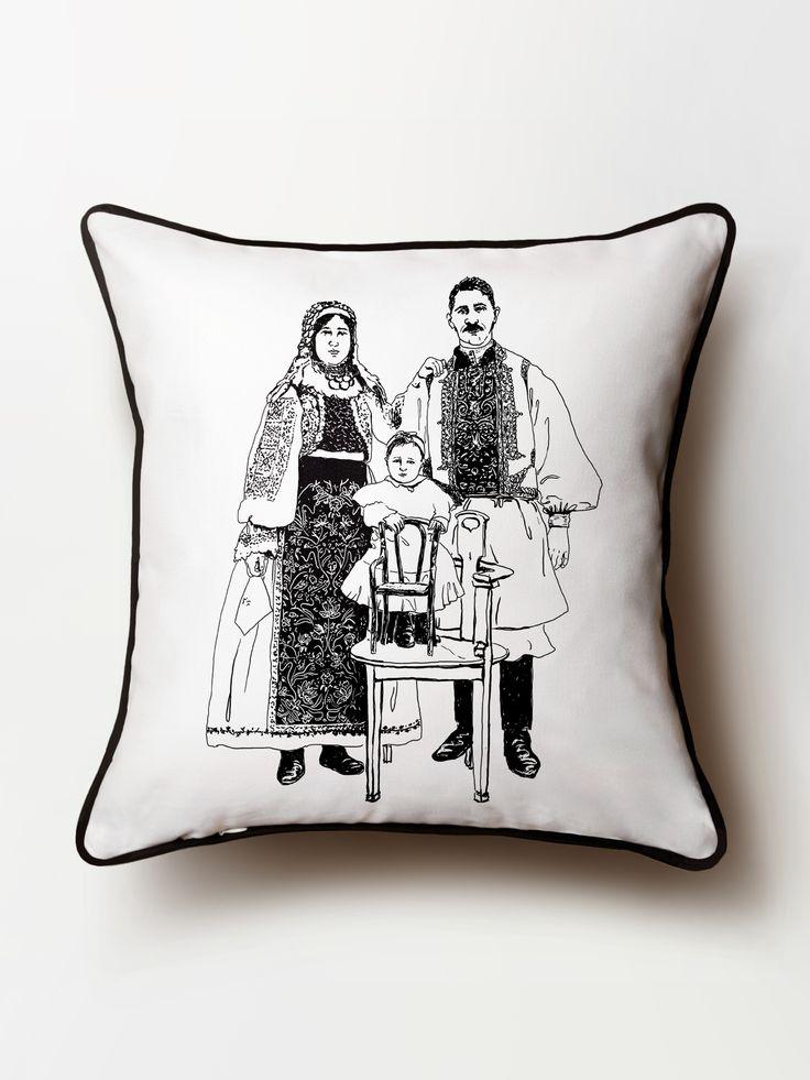 #traditional #maluuj #illustration #romanian #pillow #CristinaCaramida #cotton #deco
