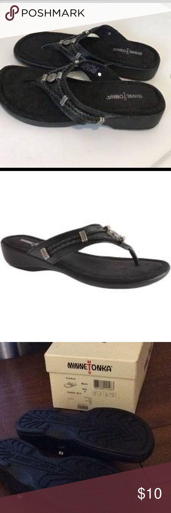 New Minnetonka sandals with box Very good quality sandals Minnetonka Shoes Flats & Loafers