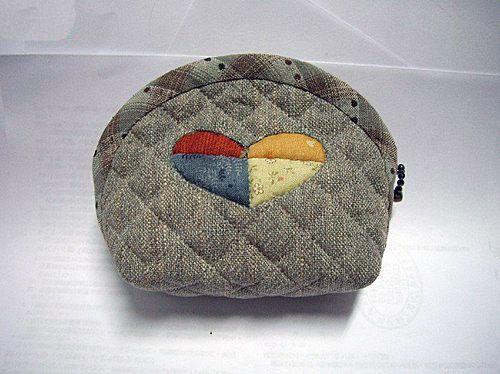 Japanese patchwork quilt bag / zipper pouch sewing purse DIY tutorial.