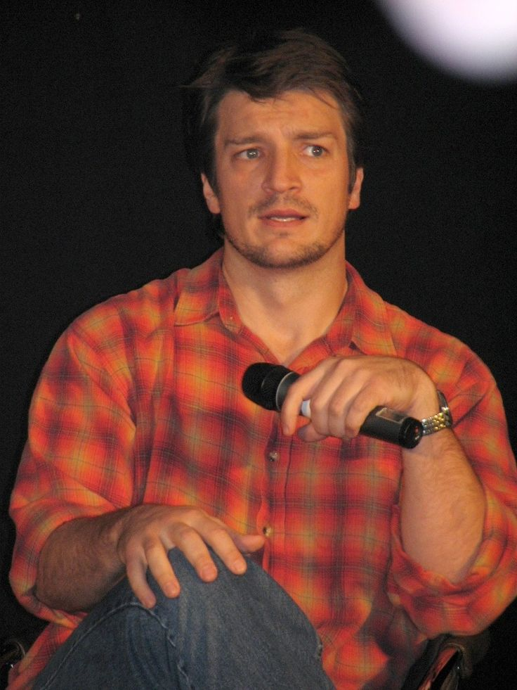 https://flic.kr/p/ed13yi | Nathan Fillion | Starfury: Serenity Squared, London - 18th to 20th November 2005  Camera: Canon Powershot S2 IS