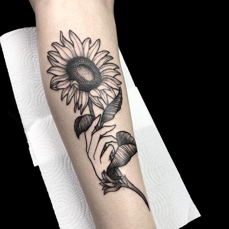 Tatuagem de girassol: 85 opções lindas para registrar na pele em 2020 | Tatuagens de girassol, Tatuagem, Tatuagem de girassol
