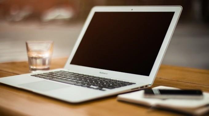 Vous cherchez des astuces pour utiliser votre Mac ou MacBook ? Les Macs sont faciles et simples à utiliser, mais ça ne veut pas dire qu'il n'existe pas d'astuces, au contraire ! Quand