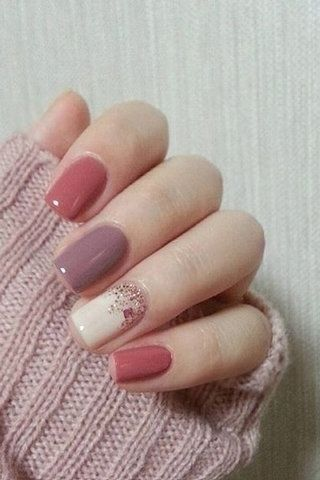 Chic Winter Nail Designs for Short Nails 07