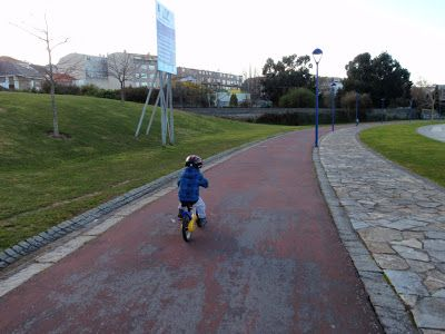 Carril bici y ruta O Burgo-Cecebre (A Coruña) Sidewalk, Paths, Naturaleza, Sports, Side Walkway, Walkway, Walkways, Pavement