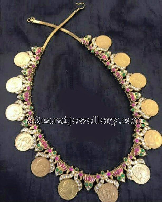 Kasu Necklace with lotus Flowers