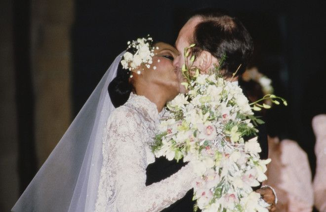 The Best Wedding Hair of All Time: From Gisele Bündchen's Tousled Waves to Audrey Hepburn's Flower Crown – Vogue - Diana Ross and Arne Naess, Jr.