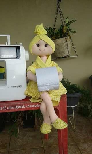 Muñeca porta papel higiênico