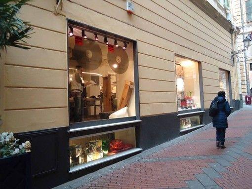 Accademia di Belle Arti di Sanremo: gli studenti espongono le loro creazioni in alcuni negozi del centro-Quotidiano online della provincia di Imperia